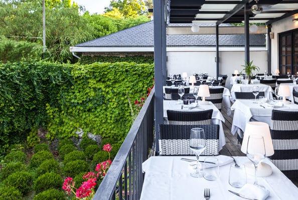 quinta justa olot restaurants terrassa romantics